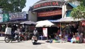 Người dân 'phớt lờ' quét mã QR tại các chợ dân sinh