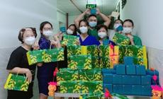 10.000 suất quà đến với cán bộ y tế tuyến đầu trong Tết Đoàn viên