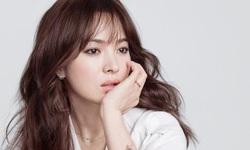 Phụ nữ tuổi 40 nên mặc gì để sở hữu thần thái ngút ngàn như Song Hye Kyo?