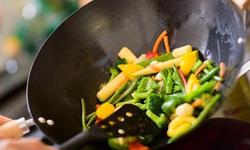 Nên ăn dầu hay ăn mỡ để có lợi cho cơ thể?