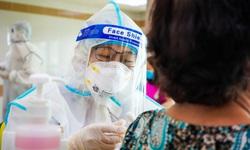 Sau tiêm vaccine phòng COVID-19: Thuốc gì được dùng, thuốc gì tuyệt đối tránh