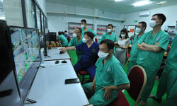 Bên trong Trung tâm Hồi sức tích cực điều trị bệnh nhân COVID-19 của BV TW Huế tại TP. HCM