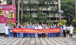 40 cán bộ y tế BV Mắt TW tiếp tục lên đường chi viện cho TP.HCM