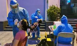 Thần tốc lấy mẫu và xây dựng bệnh viện dã chiến điều trị bệnh nhân COVID-19