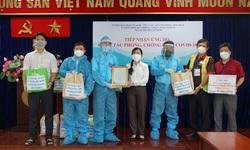 Những túi quà ấm tình quân dân của chiến sĩ Nhà giàn DK1 đến tâm dịch TP.HCM