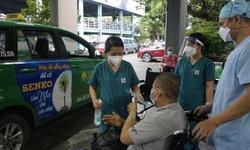 TP HCM: Bệnh nhân COVID-19 nặng hơn 100kg được xuất viện