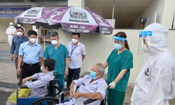 BV Hồi sức COVID-19 TP.HCM: 18 người  mắc COVID-19 nặng được xuất viện, số ca tử vong giảm mạnh