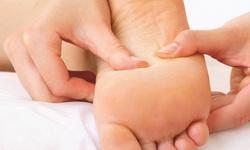 Xoa bóp - bấm huyệt vùng chân: Những sự kỳ diệu không ngờ!