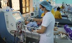 Nỗ lực cứu sống bệnh nhân 80 tuổi suy thận, suy tim, nhồi máu não