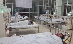 Người dân được đảm bảo khám chữa bệnh đầy đủ trong ngày mưa bão