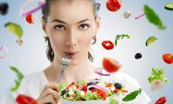 7 tác dụng tuyệt vời của salad đối với sức khỏe & sắc đẹp