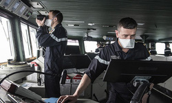 Tàu sân bay Pháp chở theo 50 người mắc COVID-19 sẽ tới Toulon
