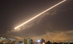 Syria đánh chặn tên lửa Israel trên bầu trời Damascus