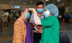 TP.HCM: Vì sao 121 nhân viên y tế tiếp xúc với 2 bệnh nhân mới đều âm tính với SARS-CoV-2?
