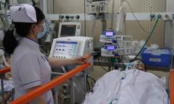 Cứu bệnh nhân dao đâm xuyên ngực đã ngừng tim, ngừng thở