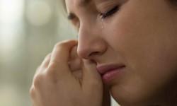 Chảy nước mắt khi ngủ có đáng lo?