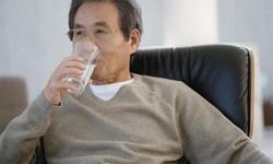 Phòng tránh khô miệng ở người cao tuổi
