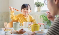 Thực hư thuốc kích thích trẻ ăn ngon, tăng cân