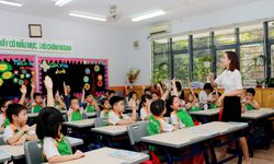 Bộ GD&ĐT yêu cầu các trường không áp dụng giãn cách trong lớp học