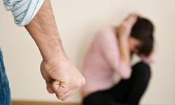 Bạo hành phụ nữ và những tư vấn cần thiết