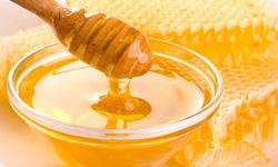 Dùng mật ong nhỏ mắt - Không nên