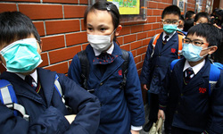 Hồng Kông: Đóng cửa hàng trăm trường học đối phó với dịch cúm