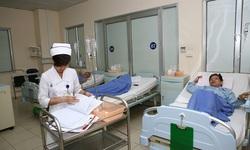 Quá tải bệnh viện từng bước được giải quyết, tăng cường đầu tư y tế cơ sở