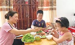 """""""Giá trị xanh""""  trong bữa ăn  người Việt"""