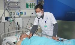 Người già ùn ùn nhập viện, bác sĩ khuyên cần giữ ấm, tránh nhiễm lạnh đột ngột