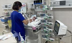 Trẻ sơ sinh non tháng, nhẹ cân: Đừng bỏ qua bất kỳ dấu hiệu bất thường nào