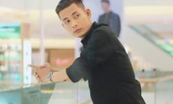 Đạo diễn Đặng Tuấn Chinh, từ 'bộ xương di động' thành ...nam thần