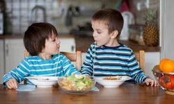 Mẹ cần làm gì để giải quyết thói kén ăn của trẻ?