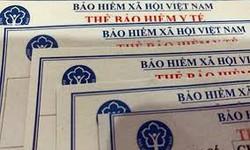 BHXH Việt Nam tặng 2500 thẻ BHYT cho đồng bào lũ lụt miền Trung và Tây Nguyên