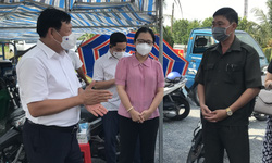 Thứ trưởng Bộ Y tế: Phát huy vai trò giám sát tuân thủ phòng dịch tại khu phong toả của Tổ Covid cộng đồng