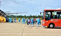 Chuyến bay nghĩa tình đưa hàng trăm thai phụ từ TP. HCM về quê