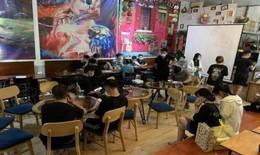 Bất chấp quy định, chủ quán trà chanh mở cửa cho khách vào 'giải khát' bị phạt gần 40 triệu đồng