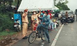 Chàng trai đạp xe từ TP.HCM về Hà Giang, đến Quảng Trị được tặng xe máy