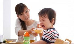 Tôi đã từng bất lực khi nhìn sai lầm của các cha mẹ khi chăm  con  trẻ