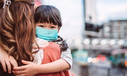 Người lớn tiêm vaccine COVID-19, trẻ em sẽ an toàn