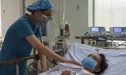 Thận trọng: Đánh trống ngực, khó thở khi thay đổi tư thế, coi chừng có u ở tim