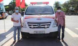 9X cùng ba lái xe cứu thương vào TP. HCM hỗ trợ chống dịch