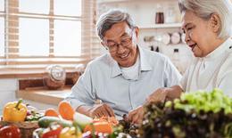 Các vitamin và khoáng chất quan trọng với người lớn tuổi