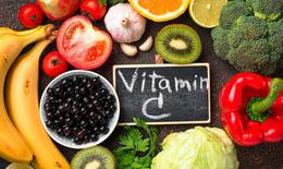 Bổ sung vitamin C liều cao phòng COVID-19, nên hay không?