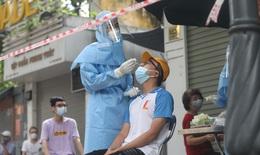 Người đàn ông ở Hà Nội bất ngờ phát hiện dương tính sau cú ngã chấn thương, Thủ đô thêm 20 ca COVID-19