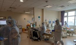 Hối hả cứu bệnh nhân COVID-19 nguy kịch, từ mê man nay được thở khí trời