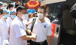30 thầy thuốc BV Hữu Nghị vào Tiền Giang chống dịch