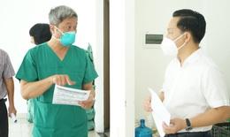 Thứ trưởng Nguyễn Trường Sơn hướng dẫn người dân tự làm xét nghiệm COVID-19