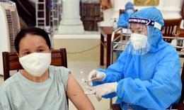 Nghệ An triển khai tiêm hơn 18.000 liều vaccine COVID-19