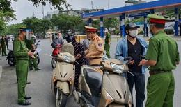 Phạt gần 1.000 trường hợp vi phạm trong ngày thứ 2 Hà Nội giãn cách