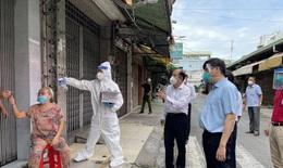 Bộ trưởng Nguyễn Thanh Long kiểm tra, giám sát phòng chống dịch COVID-19 tại cộng đồng ở TP.HCM
